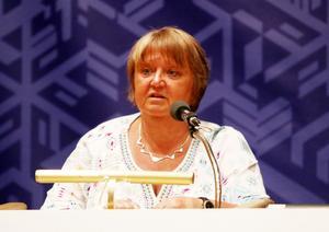 AnnSofie Andersson yrkade på ja till kommunstyrelsens förslag som var för en etablering och hon ville också ha en omedelbar justering av protokollet för snabb handläggning.