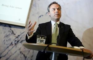 Sent ute. I mandatperiodens elfte timme lägger skolminister Jan Björklund fram regeringens förslag till nytt betygssystem.