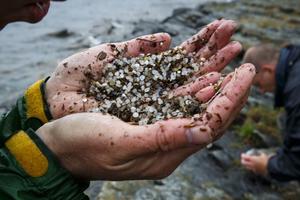 Vattnet i våra stora insjöar ska undersökas för att se hur mycket mikroplast där finns (arkivbild).