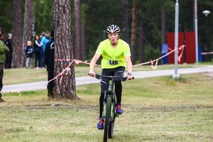 Benjamin Terent, Rehns BK, var först över mål i duathlontävlingen för ungdomar.