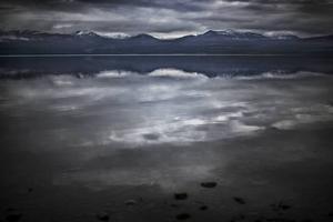 Fjällvyn som speglar sig i Ånnsjön är magiskt vacker.
