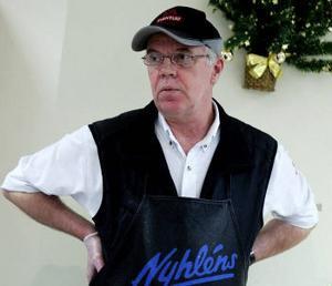 Själv utsatt för tre stölder, och van vid snattare i butiken, hälsade köttmästaren Tommy Bylund beskedet med glädje i går.