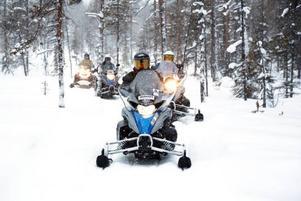 Anders Åkesson, sitter i riksdagens trafikutskott, och menade att fler områden i landet borde följa Funäsdalens modell med reglerad skotertrafik.
