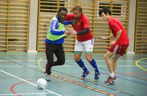 Edijs Ivasko, HFF:s nye lettiske back (i mitten), gjorde ett gediget intryck på sitt första bollpass med klubben.