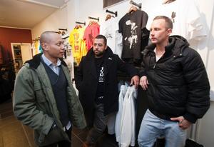 Daniel Luthman, manager och presskontakt Issar Cerrato samt butiksägare Jakob Sundkvist.