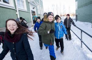 Eleverna på Östra skolan är jublande glada över att vara bäst i kommunen, de är också nöjda med andraplaceringen i länet som ger dem 5000 kronor i pris.