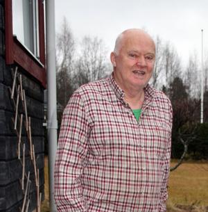Sture Westman bygger och bygger. För honom finns inget bättre i livet. Det egna huset förstås, men han har även haft ett finger med i många av grannarnas och även sina barns byggnadsprojekt. Efter många år i byggsvängen har han inte tröttnat – nya projekt är utstakade.