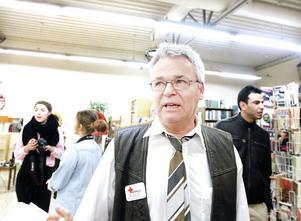 Rolf Nilsson kallar kvällen en succé, trots att dörrarna bara öppnade för en halvtimme sen.