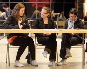 Linea Ellner, Sara Malmsten och Helena Malmsten var med på skrivarkvällen.