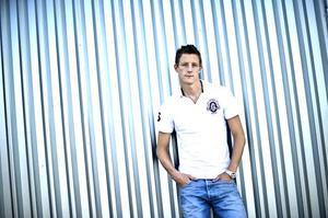 IK Brages Johan Eklund lyser av självförtroende, något som syns i hans spel på fotbollsplanen: