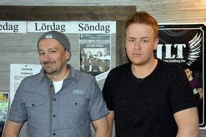 Patrick Hollinger, ordförande i föreningen som driver Kerstins Udde och Tobias Sandström, ny kock i lokalerna.