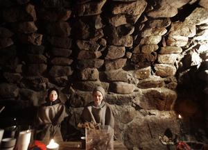 I Trollebo huserade kusinerna Emil och Jonas Jonsson. De gav bort russin, varm saft, klubbor och kottar.