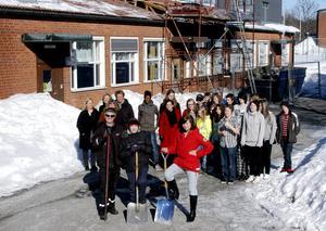 Skola 2010. Byggprojektet på Klockarhagsskolan inleddes i början av året. En satsning på 69 miljoner kronor som ska samla alla grundskoleelever. Ett symboliskt första spadtag togs av eleverna Hannes Horneman och Alice Ylitalo.