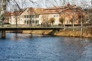 Glädjande är att en så stor andel elever gick ut med examen med fullständiga betyg från Voxnadalens gymnasium i Edsbyn i våras.