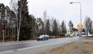 Det blir även fortsättningsvis 50 kilometer i timmen genom Hammerdal. Förslaget att sänka hastigheten avslogs av politikerna.