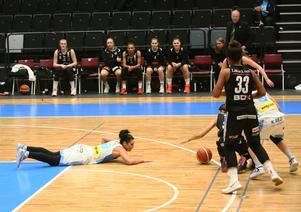 Platt fall i sista perioden. Trots ledning flera gånger fick Taylor Wurst och hennes Östersund se sig besegrade av bortalaget Luleå, efter att laget tappat i sista perioden.