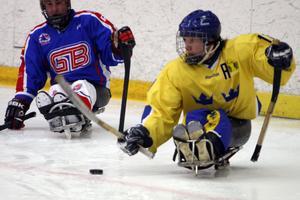 Alla inblandade idrottsföreningar i Paralympic Winter World Cup i Sollefteå hotar att hoppa av arrangemanget på grund av kommunens beslut att avveckla det alpina skidgymnasiet.
