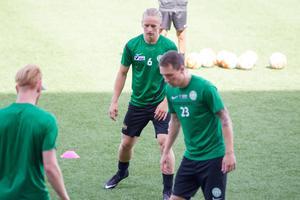 Skiljebos succéanfallare Douglas Karlberg tränar med VSK Fotboll.