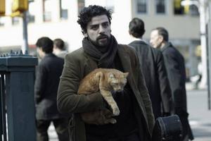 Folksångaren Llewyn (Oscar Isaac) kämpar emot det mesta i livet i bröderna Coens nya film
