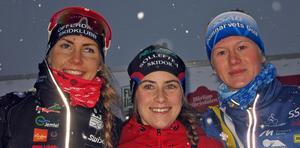 Hedda Bångman, Ebba Andersson och Maja Dahlqvist – trea, etta och tvåa i juniorloppet.