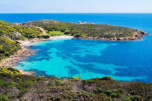 På Isola Asinara norr om Sardinien finns ett hostel för den som vill sova över.