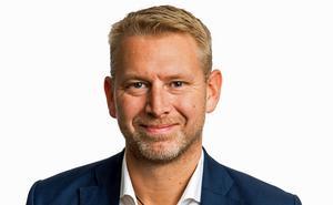 Peter Carlsson, vd Northvolt, ger besked om den kommande processen. Borlänge finns inte med bland de åtta
