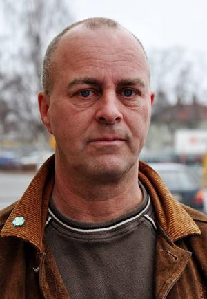 Sverigedemokraterna ställer upp i allt fler kommuner inför höstens val. Strömsund är en av de nya kommunerna och Mikael Säbom är partiets talesman där.