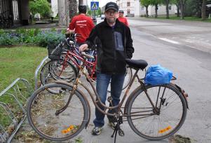 DAMTRALLA. På den här gamla damcykeln från 1937 cyklade Nils Ekegren nära 19 mil.