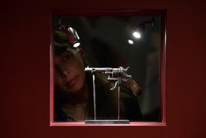 Vapnet användes i ett våldsamt gräl mellan poeterna Verlaine och Rimbaud.