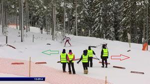 Här springer hunden Susa fel (i den röda pilens riktning) medan banan går i den gröna pilens riktning.