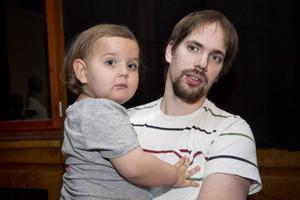 Axel Robertsson besökte föräldramässan med sonen och Simon Robertsson, 2 år.