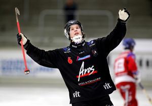Premiärkung. Mattias Rydberg knackade in fem mål i premiären - vilket också var forwardens födelsedag.