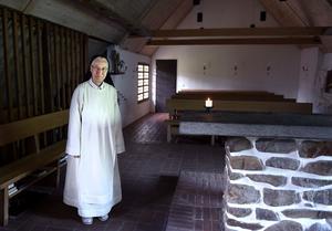 På det katolska dominikanklostret i Rögle bor sex stycken nunnor mellan 35 och 94 år. En gång var de åtta. Syster Else-Maries föräldrar var inte alls religiösa, berättar hon. Men även om hon ibland har tänkt att hon kunde ha haft familj, så har hon aldrig ångrat att hon valde klosterlivet.