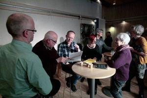 Fredrik Sjöberg charmade publiken när ÖP:s bokklubb på torsdag kväll bjudit in honom till Östersunds bibliotek.