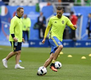 Marcus Berg rapporteras få en ny chans bredvid Zlatan Ibrahimovic mot Belgien.