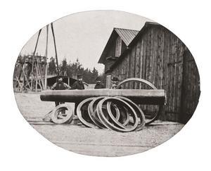 tidiga produkter. Ringar för kanoner och järnvägsvagnar, två tidiga produkter i järnverkets historia.