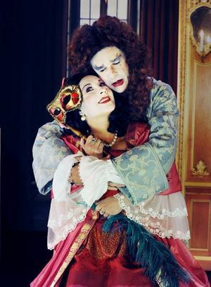 Ida Steén som Célimène och Per Burell som Alcéste.