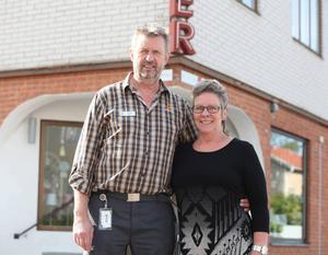 Kent Olofsson och Lena Tageson-Olofsson kommer att driva familjeföretaget Svegs Möbler från 1 oktober.