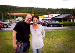Fredrik och Susanna Fliesberg har köpt konkursboet och tar nu över driften på Shell Remsle i Sollefteå.