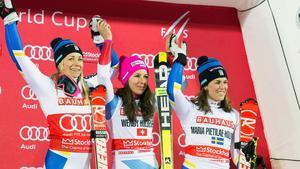 Prispallen, från vänster, Frida Hansdotter, Wendy Holdener och Maria Pietilä Holmner.