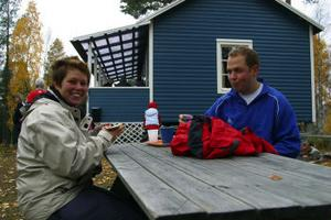 Marianne Andersson och Per Ståhl hade ltillsammans med ett 100-tal etat sig upp till Tjärnmyråsstugan.