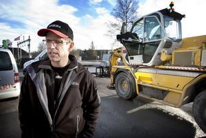 Som det ser ut nu måste Marcus Lindberg och hans företag Motor-Ola Maskiner AB lämna lokalerna vid Kajvägen vid årsskiftet.