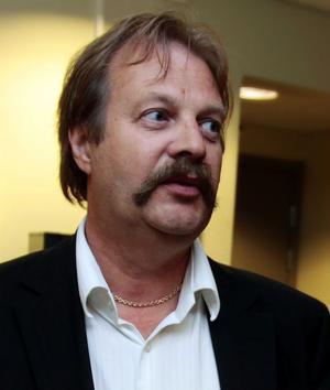 Jon Olav Birkeland är vd och delägare i det norska bolag som ägde A-aktierna i fastighetsbolaget Nor i Sundsvall AB. I går var han kallad till tingsrätten för att gå ed på att bouppteckningen efter konkursen stämde.