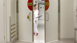 Nästa år ska en primärvårdsakut stå klar och då slopas det tioåriga kravet på att patienter ska ha remiss för att besöka akuten, där sjuksköterskan Jenny Nyquist arbetar.