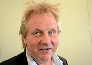 Lasse Eriksson, Sverigedemokraterna – Det får man se. Men jag kommer givetvis inte ingå i någon koalition. Jag tillhör ju Sverigedemokraterna så det tror jag inte att de andra partierna vill. Men jag tycker det är bra att stå utanför, då får man tänka lite själv istället.