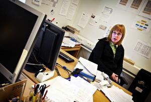 – Det går inte att ha fyra datorer som alla ska turas om kring, säger Therese Magnusson, profillärare för It/Media på friskolan John Bauer i Östersund.