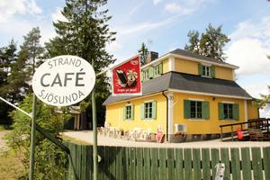 Strand café Sjösunda och vandrarhem.