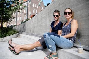 Johan Johansson, Östersund, och Maria Lidén, Stockholm, har gått på krogstråket under veckan men det blir nog inte några artister för dem.