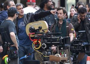 bakom kameran. George Clooney vill stå bakom kameran och synas allt mindre på vita duken.