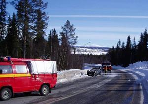 En singelolycka inträffade vid lunchtid på söndagen utanför Funäsdalen. Olycksbilen voltade men de två ungdomar som färdades i bilen kunde själva kliva ur oskadda.